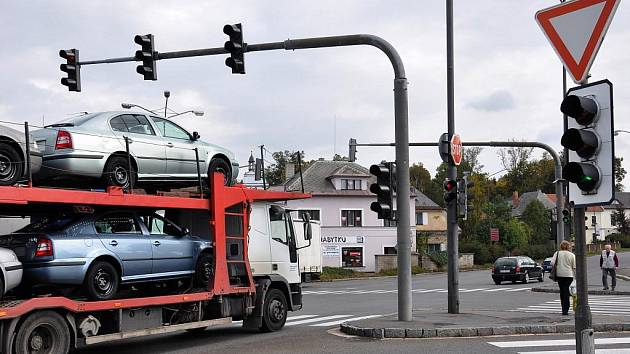 Světelnou křižovatku v Litomyšli by mohl nahradit kruhový objezd.