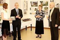 Vernisáž výstavy věnované slavným vilám v moravskotřebovském muzeu.