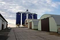 Nová stáj pro chov prasat by podle projektu měla vzniknout 350 metrů od současného areálu.