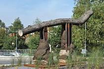 Obří socha od Aleše Veselého stála na kruhovém objezdu v Litomyšli několik měsíců.