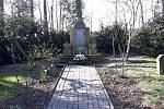 Pomník umučeným obětem dětřichovského tábora