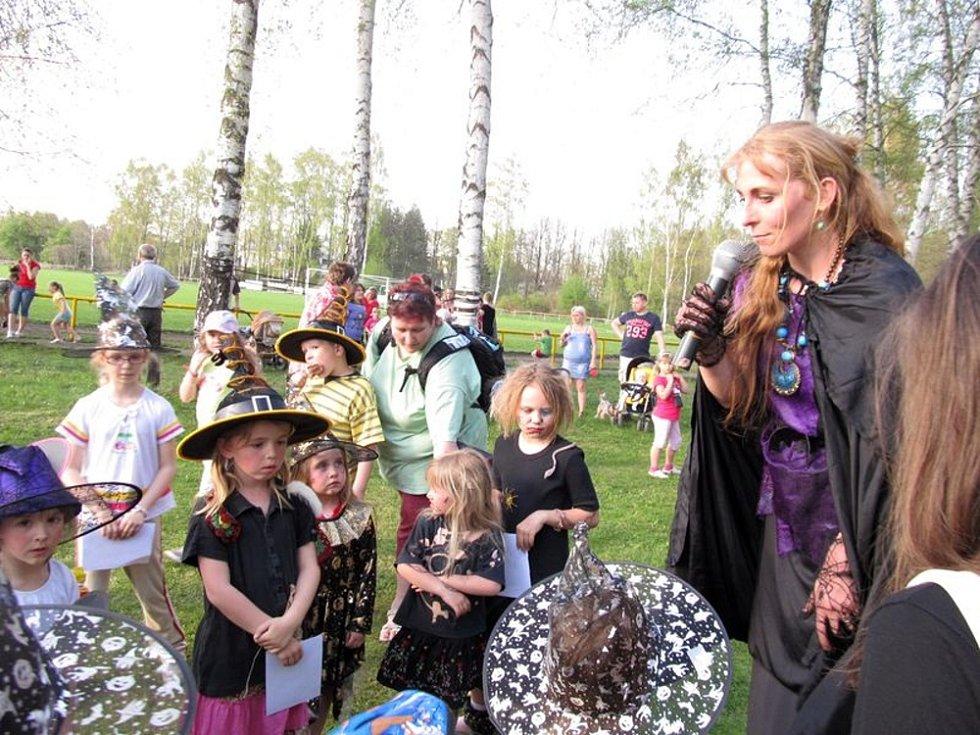 Pálení čarodějnic si užily děti v Poličce.