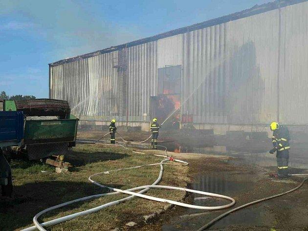 Požár seníku v Opatovci u Svitav.