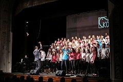 Smíšený pěvecký sbor KOS prosincovým koncertem oslavil 15. narozeniny