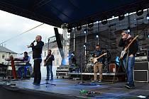 Koncert kapely No Name na náměstí v Moravské Třebové.