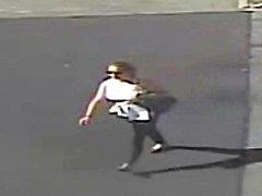 Podezřelá pachatelka z krádeže kabelky