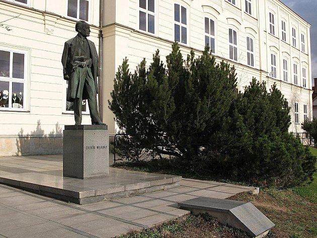Socha Zdeňka Nejedlého v Litomyšli.