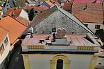 Desky desatera se vrátily na synagogu v Jevíčku