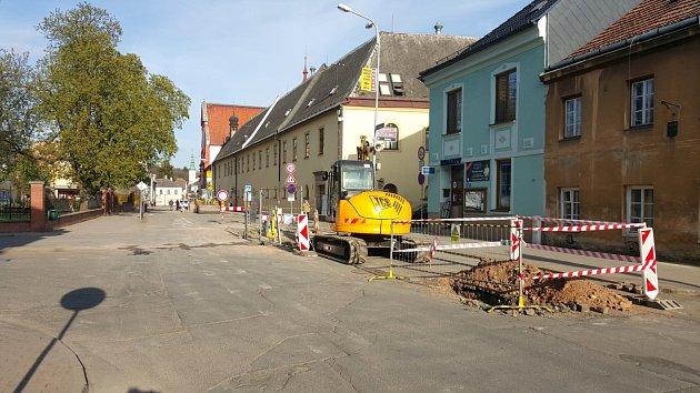 Rekonstrukce Svitavské ulice v Moravské Třebové potrvá až do podzimu