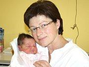 LADA KLUSOŇOVÁ. Dagmar, Petr, pětiletá Vanda a sedmiletý Štěpán z Poličky se od 22. září radují z narození Lady. Vážila 3,85 kilogramu a měřila 51 centimetrů.