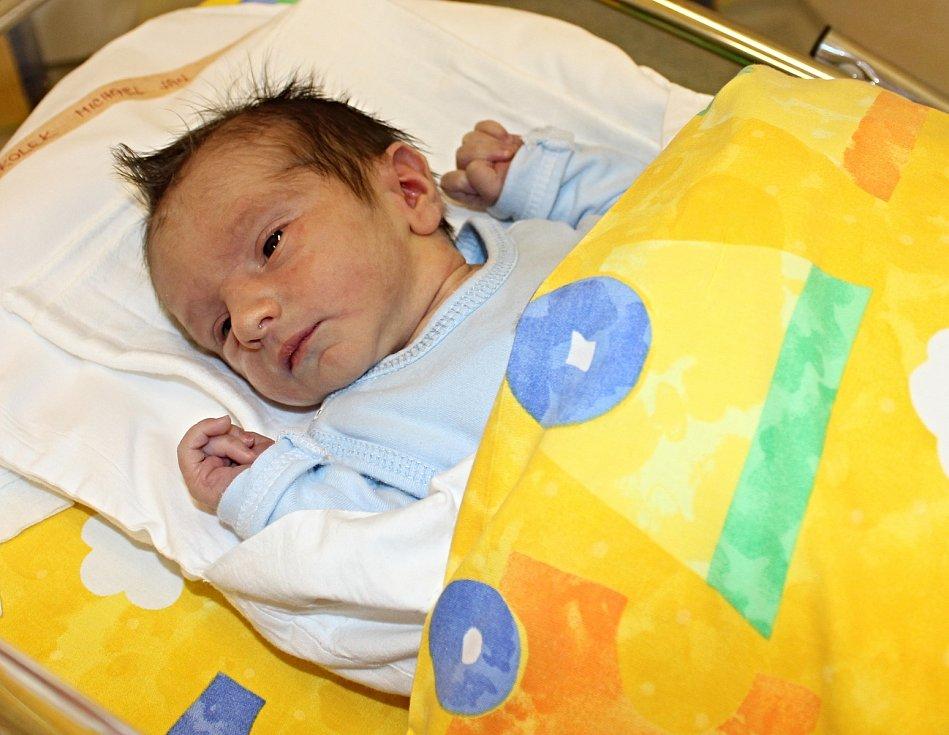 Michael Jan Kolek se narodil 30. listopadu. Ze syna se radují jeho rodiče Lucie a Tomáš a také sestřička Terezka Anna. Rodina bydlí ve Svitavách.