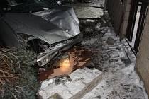 Řidič pod vlivem alkoholu poničil majetek za desítky tisíc korun