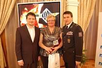 Naděžda Tomčíková při převzetí ceny pořadu 112 - V ohrožení života.