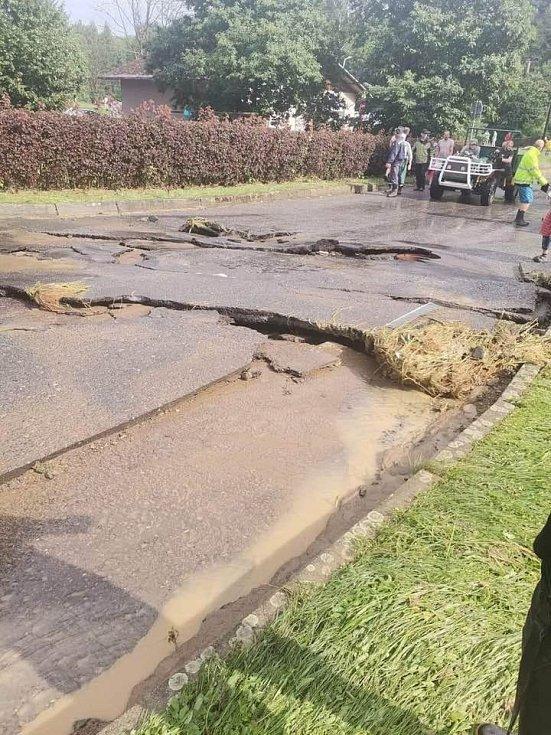 Poničené silnice