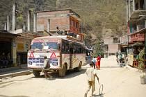 NÁŠ super autobus značky TATA.