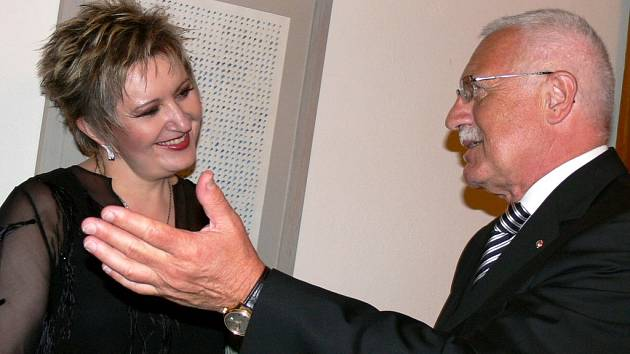 Prezident Václav Klaus a pěvkyně Eva Urbanová.