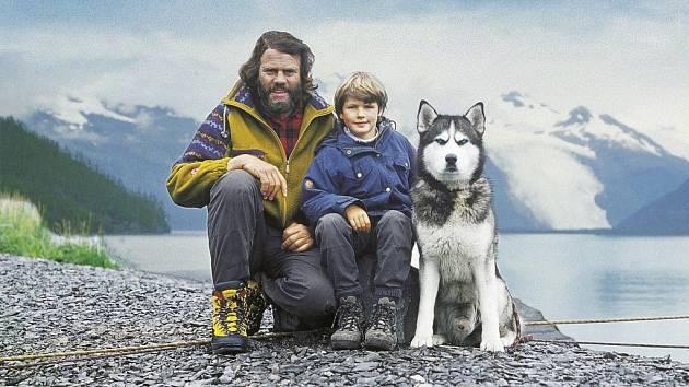 LEOŠ ŠIMÁNEK cestoval po Aljašce mimo jiných i se svou tehdy šestiletou dcerou a psem Daltonem.