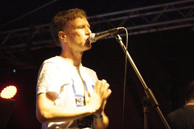 Rozverný frontman skupiny Midi Lidi Petr Marek.