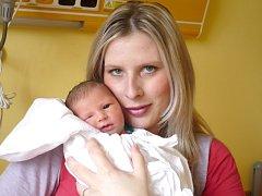 NATÁLIE JISKROVÁ. Holčička přišla na svět 29. března v 7.46 hodin v litomyšlské porodnici, Vážila 2,85 kilogramu a měřila půl metru. S rodiči Lenkou a Janem bude doma v Karli u Svitav.