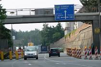 Opravy nadchodů komplikují dopravu na silnici I/35