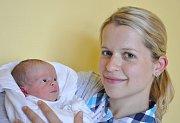 BARBORA MACÁKOVÁ. Holčička se narodila 24. května v 19.59 hodin v Litomyšli. Vážila 2,75 kilogramu a měřila 51 centimetrů. Manželé Veronika a Ondřej si dcerku odvezli do Zálší u Chocně.