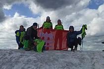 Dokázali to! Doběhli z Litomyšle na Sněžku. Společně s Aničkou Leksovou, která se zapojila do akce pečením koláčků se podařilo vybrat téměř 60 tisíc korun.