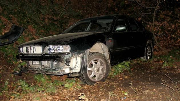 Řidič ze Zábřehu nevybral zatáčku a havaroval mimo komunikaci.