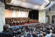 Mezinárodní  festival  Smetanova Litomyšl byl v pátek večer slavnostně zahájen.