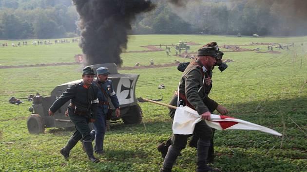 Historická bitva v Mladějově na Moravě připomněla období první světové války. Na bitevním poli se utkali vojáci ruské a rakouské armády.