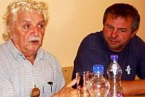 Jevíčský starosta Roman Müller prožil několik dní s herci Divadla Járy Cimrmana ve slovenských Tatrách.