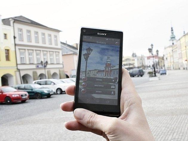 Turistický průvodce v mobilním telefonu.
