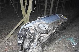 Řidič havaroval na rovném úseku.