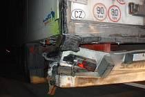 Srážka dvou nákladních automobilů u Opatovce.