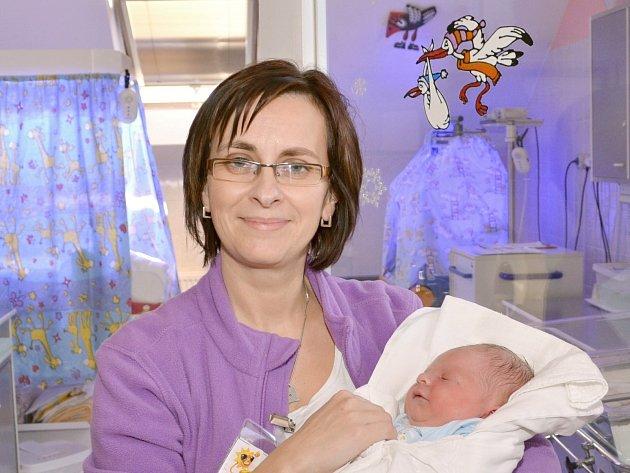 Sestřička Iva Bartošová.