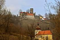 Hrad Svojanov na jaře.