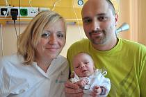 MICHAL  ŠLÉGR.  Chlapeček se narodil v Litomyšli 14. října v 1.35 hodin.  Vážil 3,5 kilogramu a měřil 52 centimetrů.  Manželé Šárka a David si syna odvezou do Horní Sloupnice, kde už čeká tříletá Adélka.