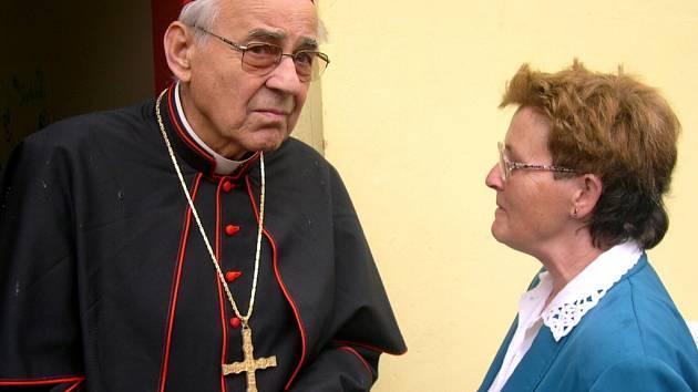Kardinál Miloslav Vlk v Koclířově.