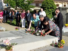 Pietní akt u hrobu Bohuslava Martinů