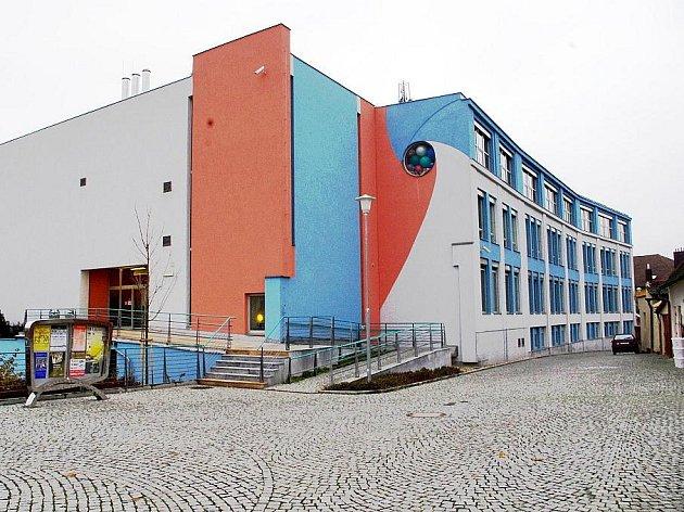 Fabrika.