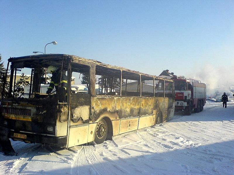 Požár autobusu.