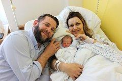 SEFER KOCI. Chlapeček se narodil  2. května ve 22.17 hodin. Vážil 2,8 kilogramu a měřil 48 centimetrů. Rodiče  Krenara a  Arsim Koci budou se synkem bydlet ve Vysokém Mýtě.