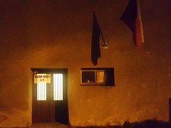 Volební místnost v Udánkách, místní části Moravské Třebové, přímo sousedí s výčepem mísního hostince.