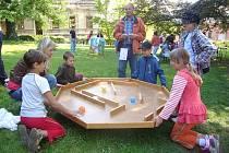 Děti si v Litomyšli na Záhradí užijí svůj svátek různými soutěžemi.