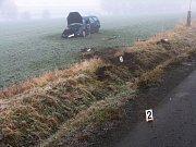 Nehoda v Jevíčku. Jedenatřicetiletá řidička z Jevíčka dostala při průjezdu zatáčkou smyk. Lehce zraněnou ženu převezla sanitka na ošetření do nemocnice v Boskovicích.