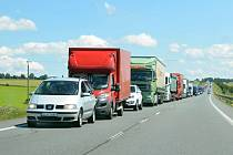 KOLONY. Na náročnější průjezd Litomyšlí  si budou muset řidiči  zvyknout. Na méně vhodné značení snad nikoliv.