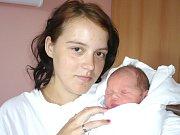 ALEXANDR HRSTKA. Chlapec přišel na svět 8. května ve 2.02 hodin ve svitavské porodnici. Vážil 3,75 kilogramu a měřil půl metru. Tatínek Dominik byl mamince Věře u porodu oporou. Doma budou ve Svitavách.