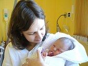 MAGDALÉNA LIŠKOVÁ. Narodila se 17. března v 19.35 hodin v Litomyšli. Vážila 3,45 kilogramu a měřila půl metru. S rodiči Danou a Václavem a tříletým bráškou Vojtěchem bude doma v Litomyšli.