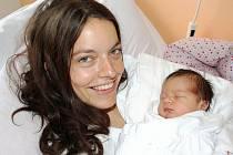 FILIP KOTLÁŘ. Prvorozený synek Venduly a Václava ze Svitav si poprvé zakřičel 3. srpna ve 13.44 hodin. Sestřičky ve svitavské porodnici Filípkovi naměřily 52 centimetrů a navážily 3,95 kilogramu.