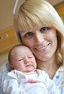 AMÁLIE FILIPI. Narodila se 24. 5. ve 22.13 hodin v Litomyšli. Vážila tři kilogramy a měřila půl metru. Tatínek Martin podpořil manželku Mirku na sále a dokonce přestřihl pupeční šňůru. Doma se na sestřičku těšil i i tříletý Tadeášek. Bydlí v Opatovci