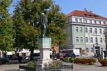 Klidová zóna vyrůstá u Smetanova pomníku na náměstí v Litomyšli
